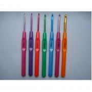 Крючки цветные пластиковой ручкой  поштучно от 2 до 5 мм