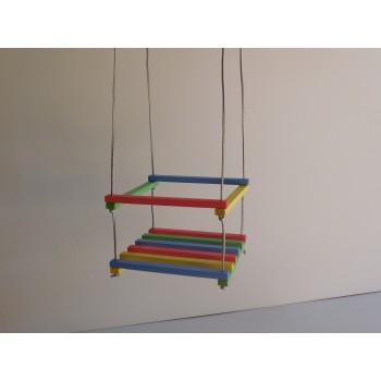 Качели детские разноцветные деревянные